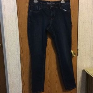 Old Navy Rock Star Jeans.  H10